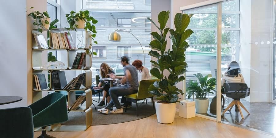 Hybrid Jobs and Hybrid Working